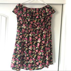Dresses & Skirts - Rose dress